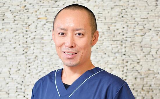 小澤 勇介/理事長先生/審美歯科、歯周形成外科、インプラント
