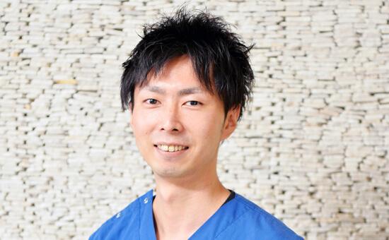 手島 秀/主任/一般歯科、審美歯科、歯周形成外科、インプラント